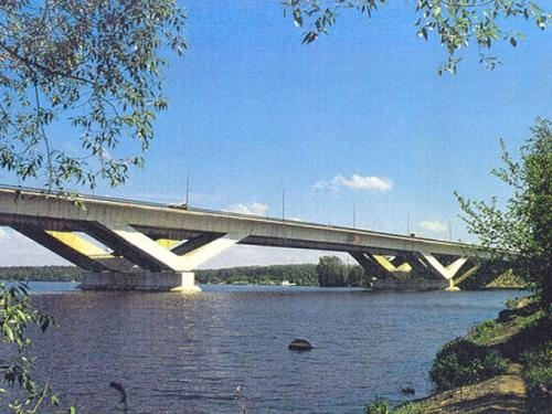The bridge over the Moscow Canal near the village of Khlebnikovo (1984)