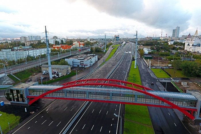 The section of the  North-West chord between Shosse Enthusiastov Highway and Izmailovskoe Highway in Moscow (2016)