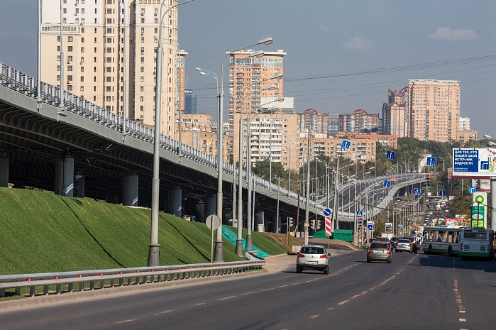 The motor road section from the intersection of the Garden Ring with Novy Arbat Street to the intersection of Mozhaysky Highway with the Moscow Ring Road (2012-2015)